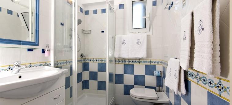 Hotel Giardino Delle Ninfe E La Fenice: Bathroom ISCHIA ISLAND - NAPLES