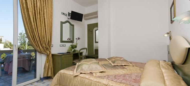 Hotel Giardino Delle Ninfe E La Fenice: Interior detail ISCHIA ISLAND - NAPLES