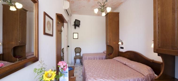 Hotel Giardino Delle Ninfe E La Fenice: Room - Guest ISCHIA ISLAND - NAPLES
