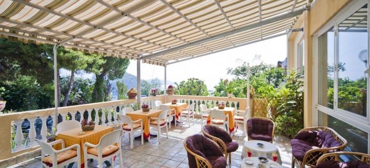 Hotel Giardino Delle Ninfe E La Fenice: Terrace ISCHIA ISLAND - NAPLES