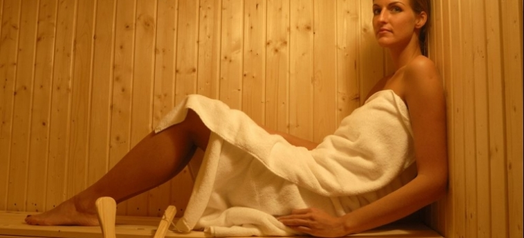 Cocca Hotel Royal Thai Spa: Sauna ISEO LAKE