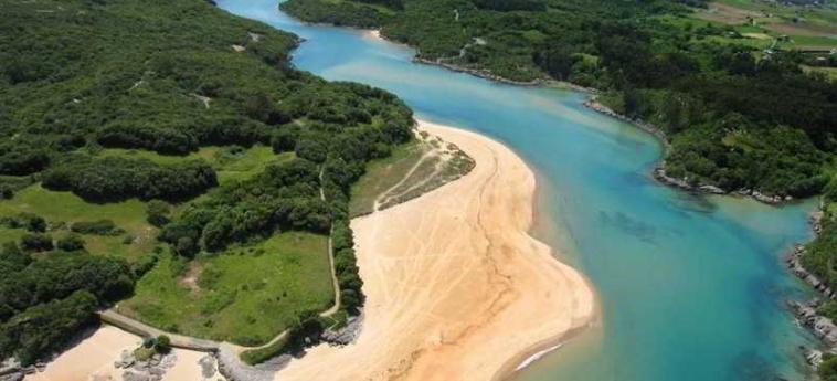 Hotel Astuy: Spiaggia ISLA - CANTABRIA