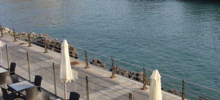 Hotel Astuy: Terrazza ISLA - CANTABRIA