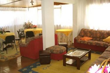 Hotel Las Rocas: Hotelhalle ISLA - KANTABRIEN