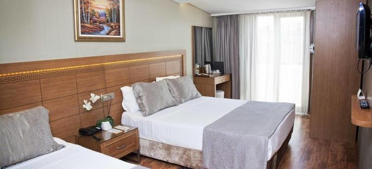 Hotel Sorriso: Chambre Quadruple ISTANBUL