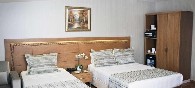 Hotel Sorriso: Chambre Triple ISTANBUL