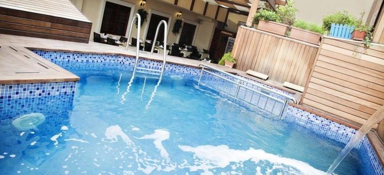 Hotel Sorriso: Pool ISTANBUL