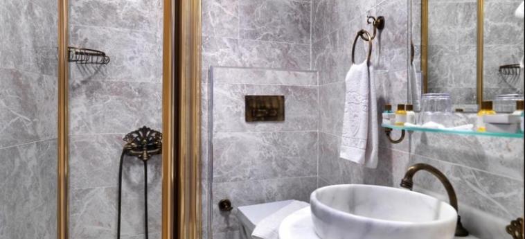 Hotel White Monarch: Bathroom ISTANBUL