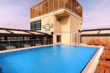 Hotel Taksim Gonen: Außenschwimmbad ISTANBUL