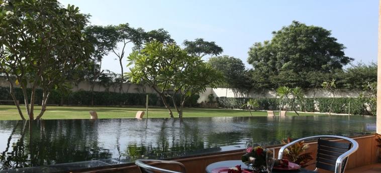 Hotel Jaipur Palace: Jardín JAIPUR