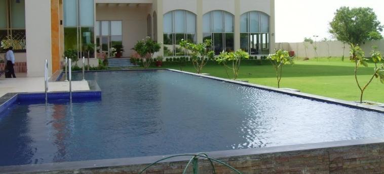 Hotel Jaipur Palace: Swimming Pool JAIPUR