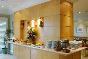 Batavia Apartment: Buffet JAKARTA