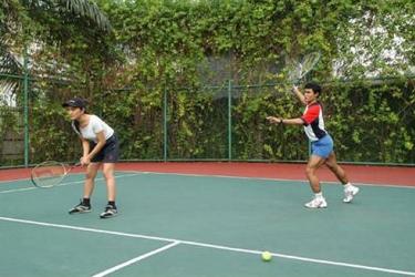 Batavia Apartment: Campo da Tennis JAKARTA