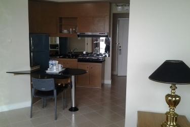 Batavia Apartment: Cucina in camera JAKARTA