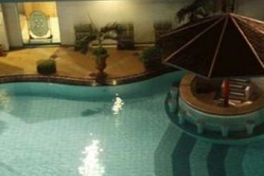 Hotel Horison Bekasi: Swimming Pool JAKARTA