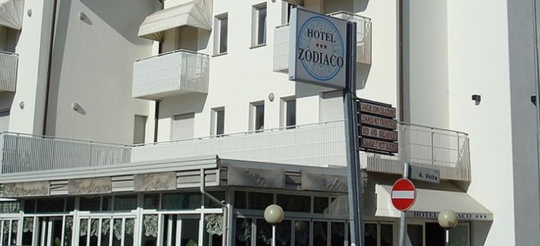 Hotel Zodiaco: Exterior JESOLO - VENECIA