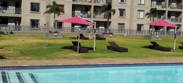 Westpoint Furnished Apartments: Piscine Couverte JOHANNESBURG