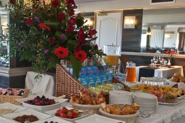 Hotel Cobo Bay: Frühstücksbereich KANALINSELN