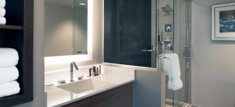 Hotel Kansas City Marriott Country Club Plaza: Bathroom KANSAS CITY (MO)