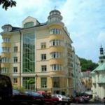 Hotel Aura Palace