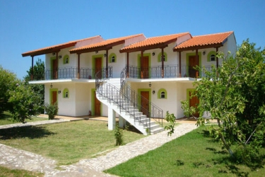 Hotel Terra Mare: Außen Platz KEFALONIA