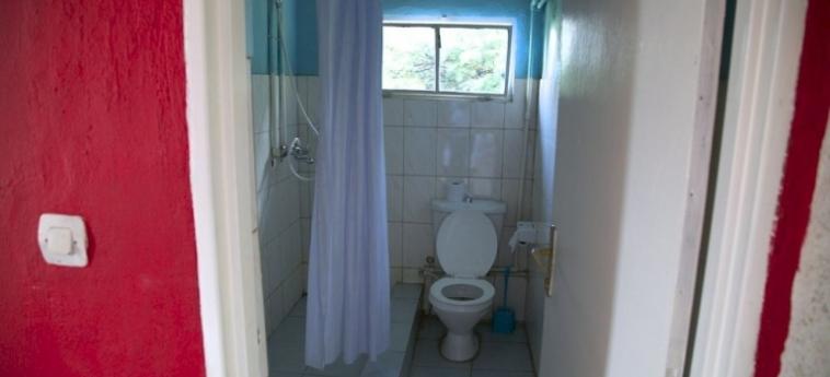 Discover Rwanda Youth Hostel: Habitaciòn Triple KIGALI