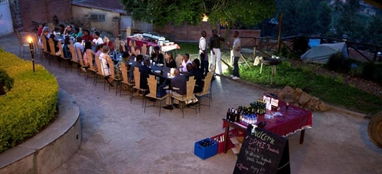 Discover Rwanda Youth Hostel: Piscina Exterior KIGALI