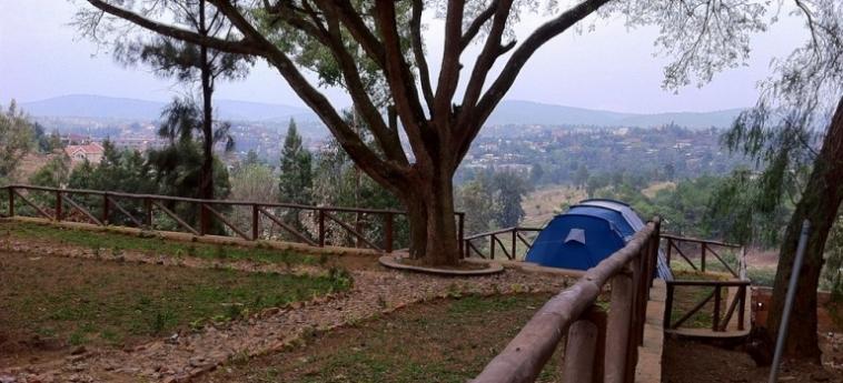 Discover Rwanda Youth Hostel: Cave à vin KIGALI