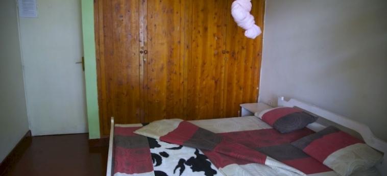 Discover Rwanda Youth Hostel: Intérieur KIGALI
