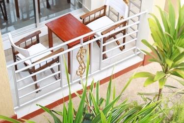 Heaven Restaurant & Boutique Hotel: Garten Blick KIGALI
