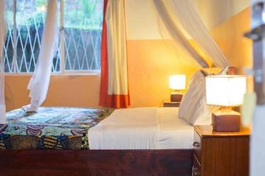 Heaven Restaurant & Boutique Hotel: Gastzimmer Blick KIGALI