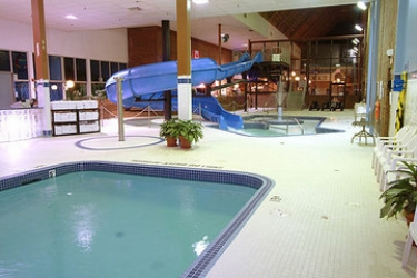 Hotel Ambassador Conference Resort Kingston: Piscina Cubierta KINGSTON - ONTARIO