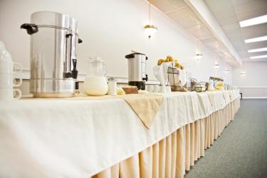 Hotel Thriftlodge Kingston: Buffet KINGSTON - ONTARIO