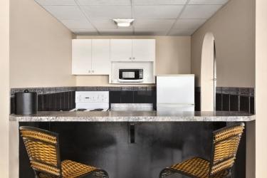 Hotel Thriftlodge Kingston: Cucina KINGSTON - ONTARIO