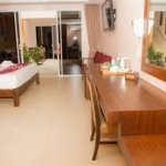 Hotel Ark Bar Beach Resort