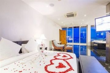 Hotel Baan Talay Sai Villa: Camera Business Suite KOH SAMUI