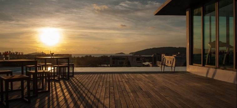 Sky Hotel Kota Kinabalu: Außen Restaurant KOTA KINABALU
