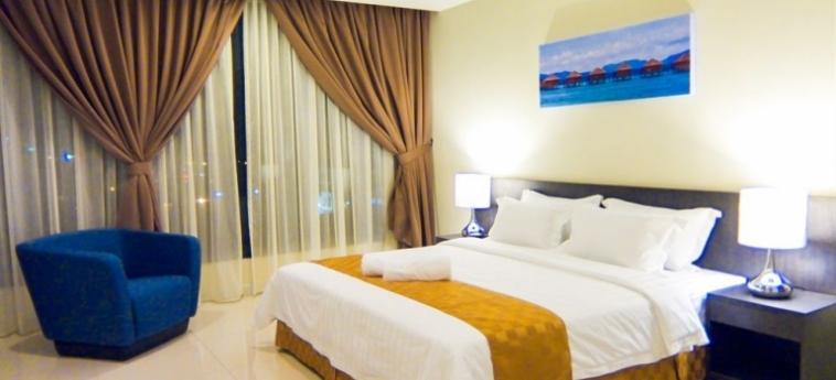 Sky Hotel Kota Kinabalu: Soggiorno E Angolo Cottura KOTA KINABALU