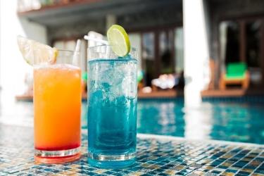 Hotel Holiday Inn Resort Krabi Ao Nang Beach: Bar KRABI