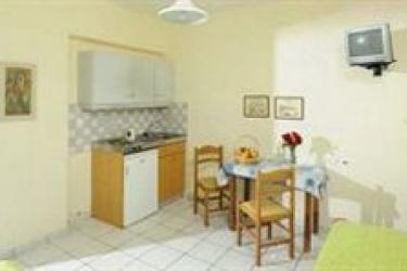 Sergiani Apartments: Restaurant KRETA