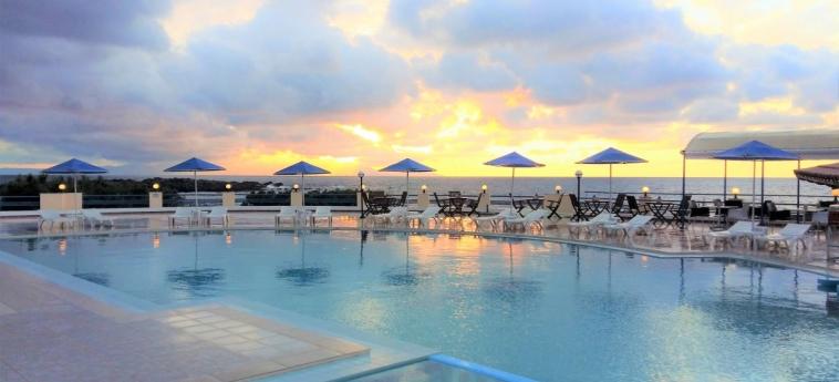 Hotel Zorbas Beach Village: Außenschwimmbad KRETA