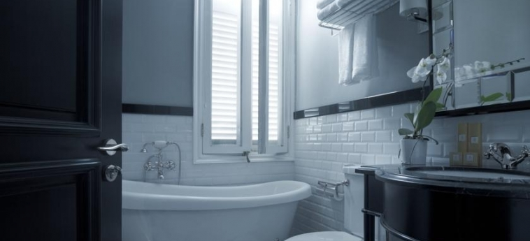 The Majestic Hotel: Bathroom KUALA LUMPUR