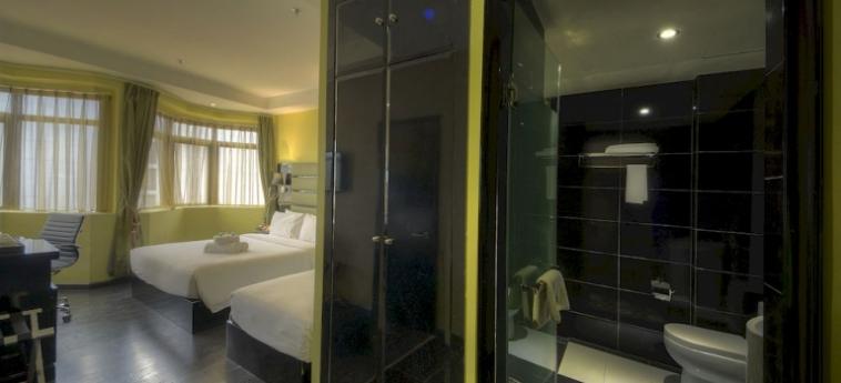 Hotel Arenaa Star: Innenschwimmbad KUALA LUMPUR
