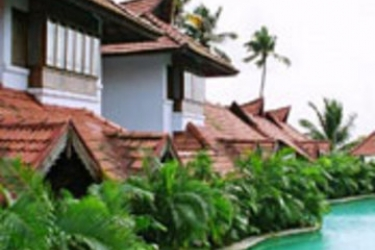 Hotel Kumarakom Lake Resort: Exterior KUMARAKOM