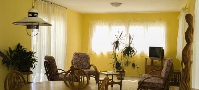 Hotel Villa Los Pinos: Salotto L'AVANA
