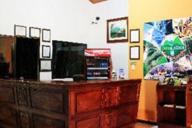 Hotel Green Lagoon Falls Park Lodge: Hall LA FORTUNA - ALAJUELA