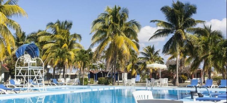Hotel Villa Bacuranao: Swimming Pool LA HABANA
