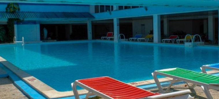 Hotel Marazul Playas Del Este: Swimming Pool LA HABANA