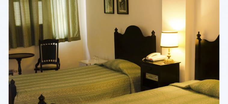 Gran Caribe Hotel Plaza: Chambre jumeau LA HAVANE