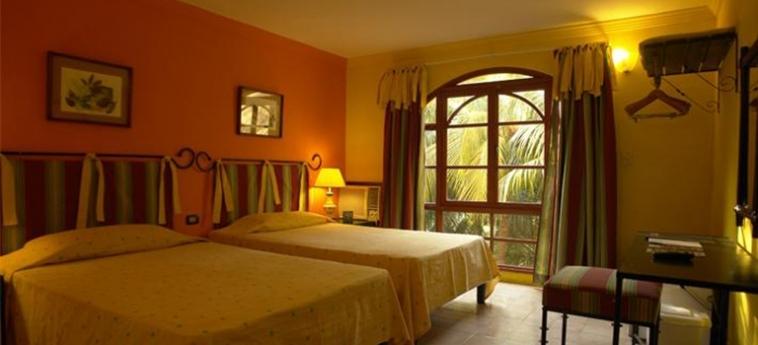 Hotel El Bosque: Chambre jumeau LA HAVANE